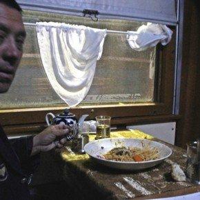 In terza classe sul treno Mosca-Tashkent