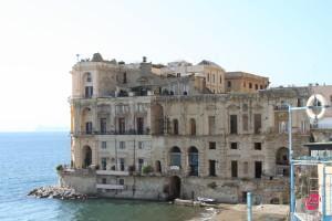 Napoli_-_Palazzo_Donnanna