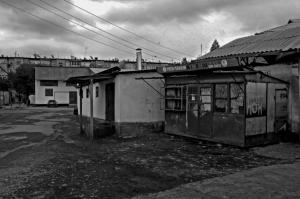 Osh, Kyrgyzstan. Uno scorcio delle vie più urbanizzate del centro abitato