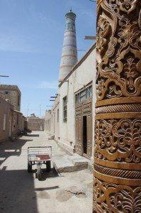 Nelle vie popolari adiacenti il centro storico di Khiva, Uzbekistan
