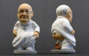 Papa-Francesco-nella-tradizionale-posa-del-Caganer-grande