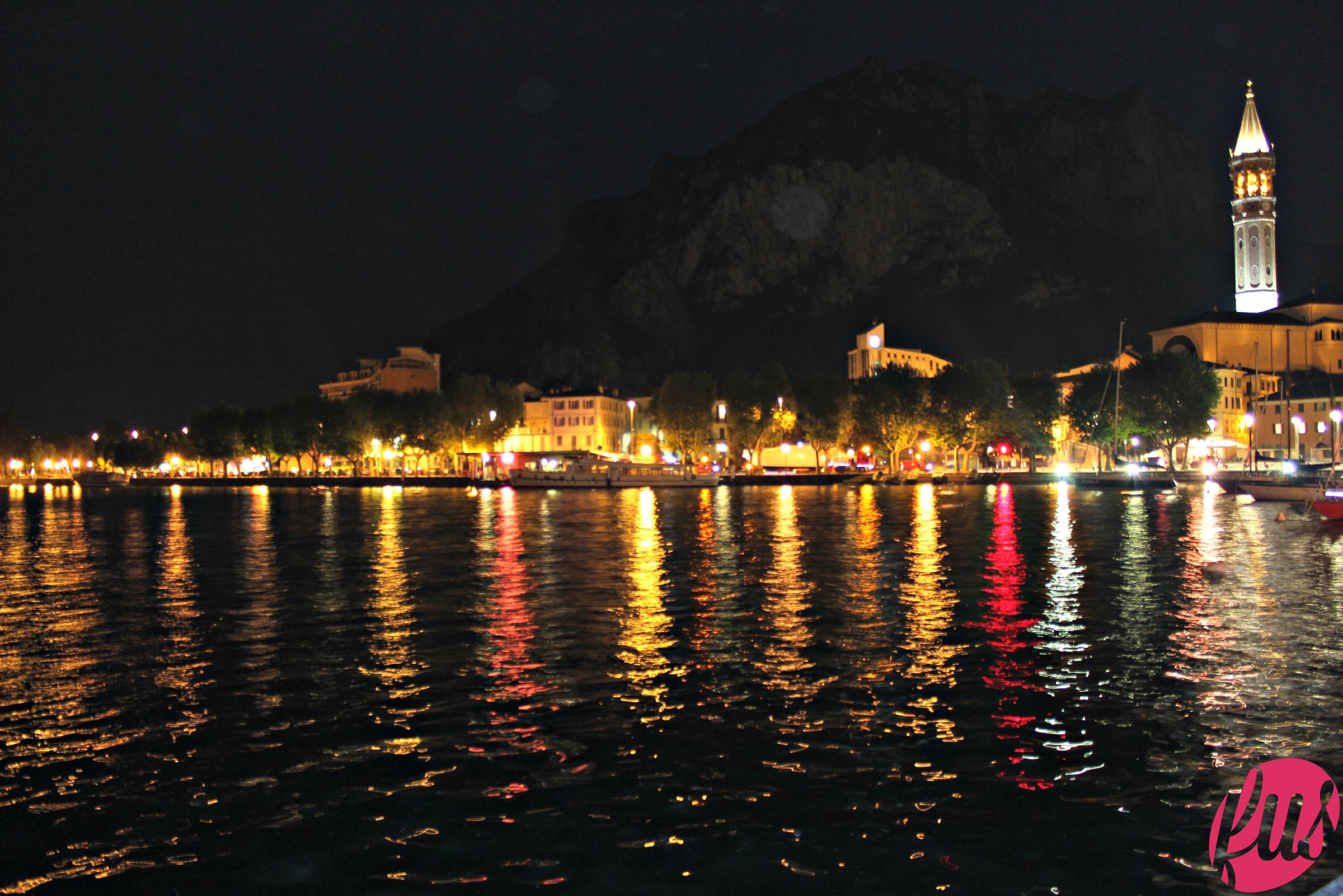 Night_on_the_lake