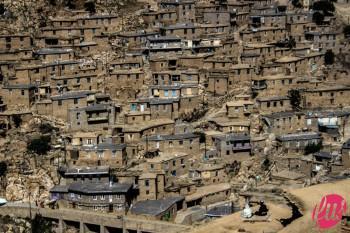 Una vista sui tetti del villaggio di Palangan, Kurdistan iraniano
