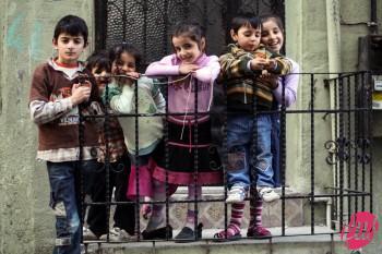 Alcuni bambini del quartiere di Balat. Istanbul, Turchia