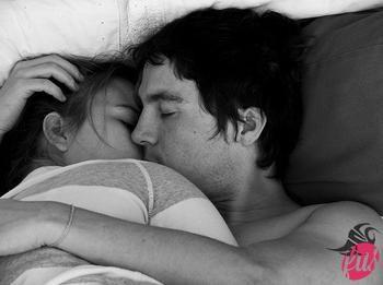 5245446583_boy_couple_cuddle_cute_girl_love_Favimcom_96491_xlarge