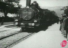 280px-L'Arrivèe_d'un_train_en_gare_de_La_Ciotat_(1896)_01