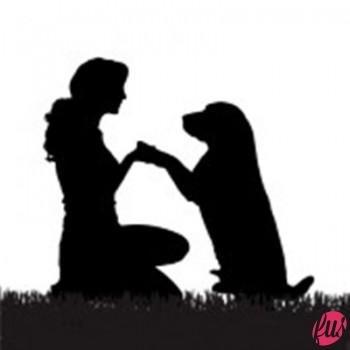 26424373-vector-silhouette-di-una-donna-con-un-cane-a-fare-una-passeggiata