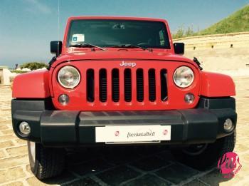 Classica calandra Jeep a sette feritoie