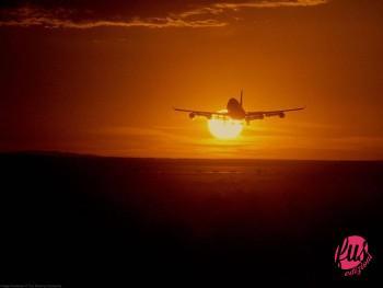 aereo-decollo-tramonto