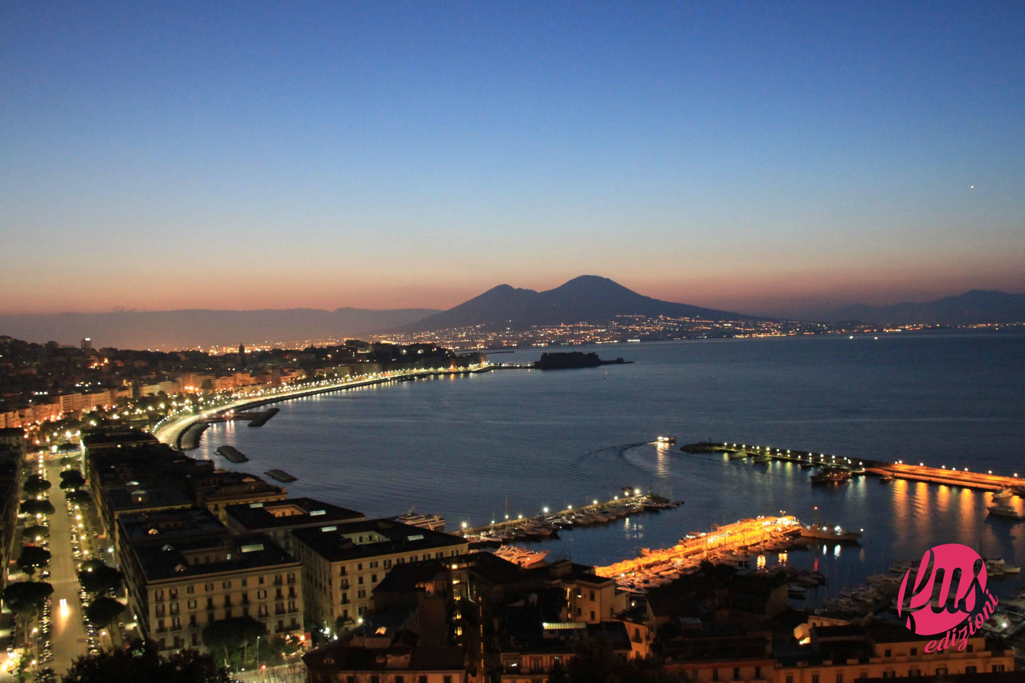 Una Notte A Napoli Facciunsalto It