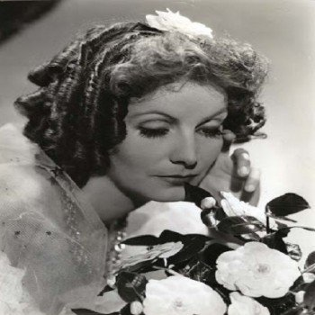 Greta-Garbo-Signora-Camelie