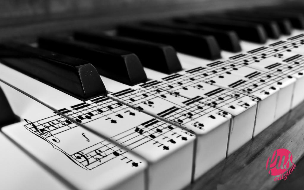 music-piano-monochrome-wallpaper