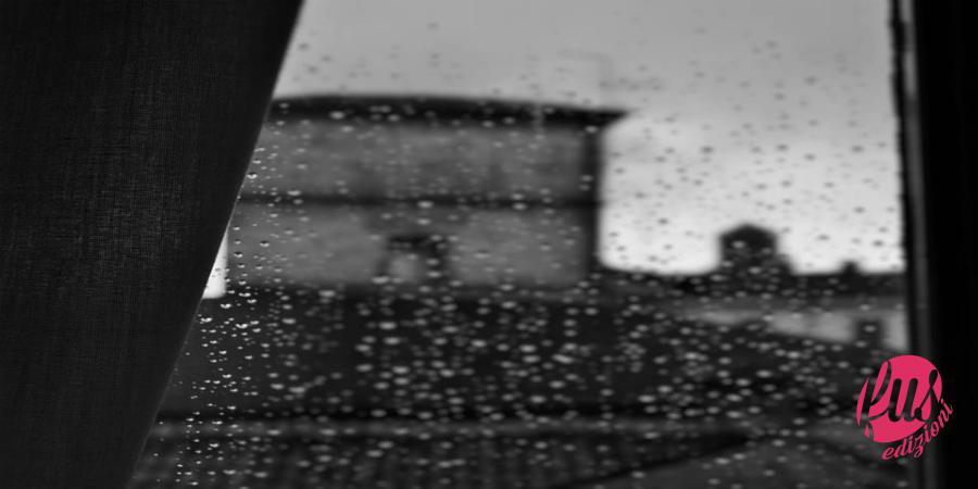 Vetro con pioggia