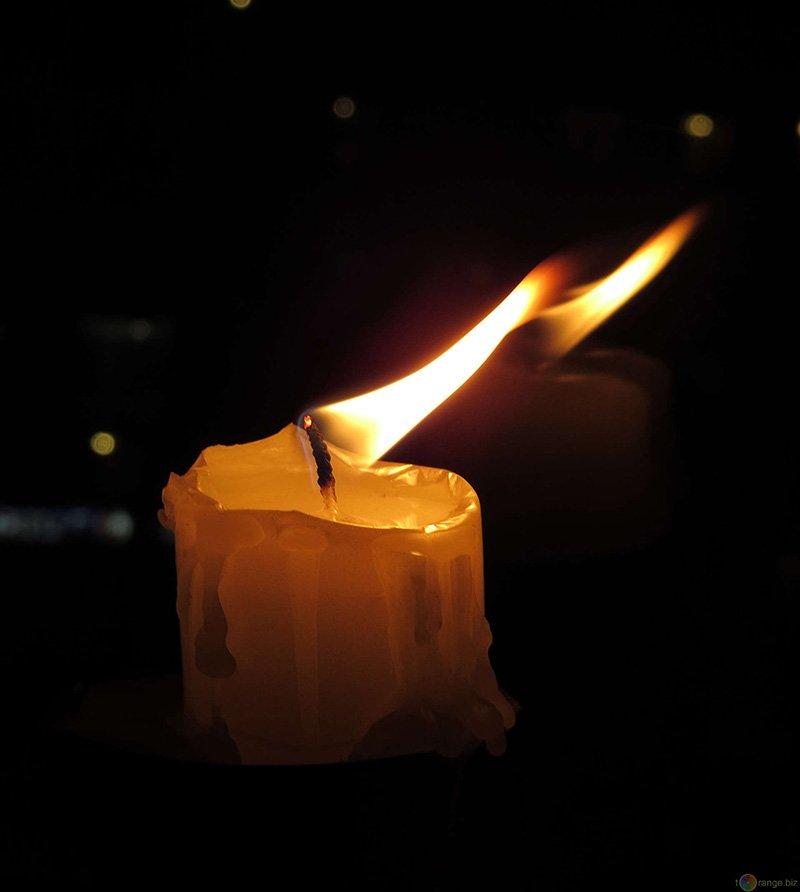candela-non-c'è-futuro